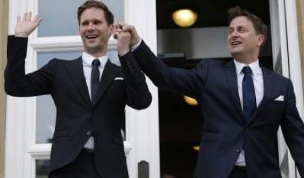 le luxembourg c l bre le premier mariage gay d un chef du gouvernement de l ue ragap france. Black Bedroom Furniture Sets. Home Design Ideas